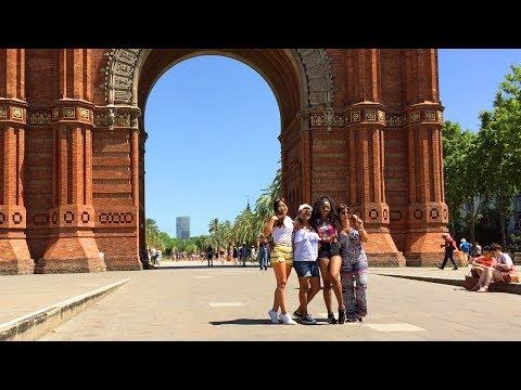 BARCELONA WALK | Arc de Triomf - Barcelona's Triumphal Arch | Spain