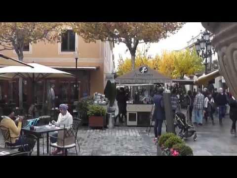 #La Roca Village La ciudad del consumo