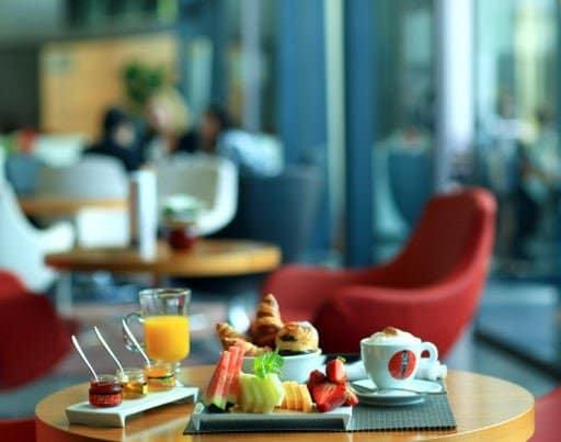 pullman_skipper_continental_breakfast