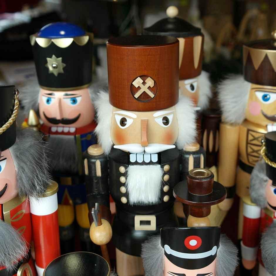 Nussknacker auf dem Weihnachtsmarkt