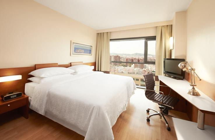 Four Point by Sheraton Barcelona Diagonal kleines Zimmer