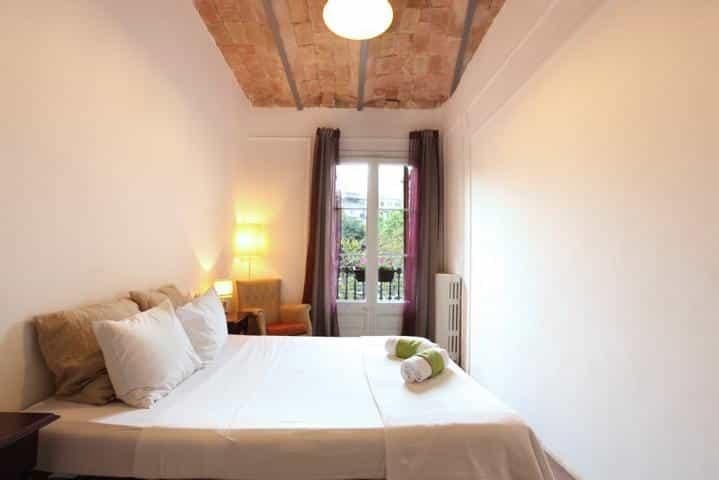 Primavera Hostel Barcelona Schlafzimmer