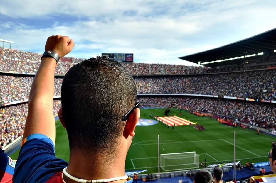 Fans im Camp Nou Stadion