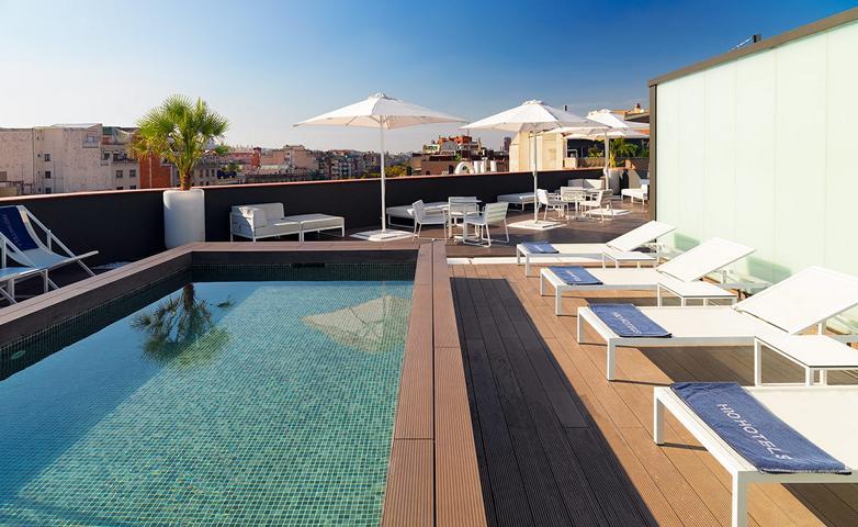 H10 Casanova Hotel Barcelona Poollandschaft