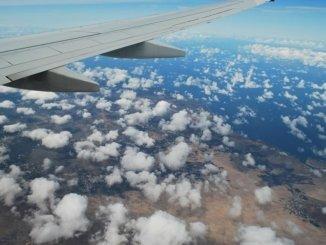 Tragfläche Flugzeug Wolken