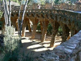 Park Güell Barcelona Steinere Brücke