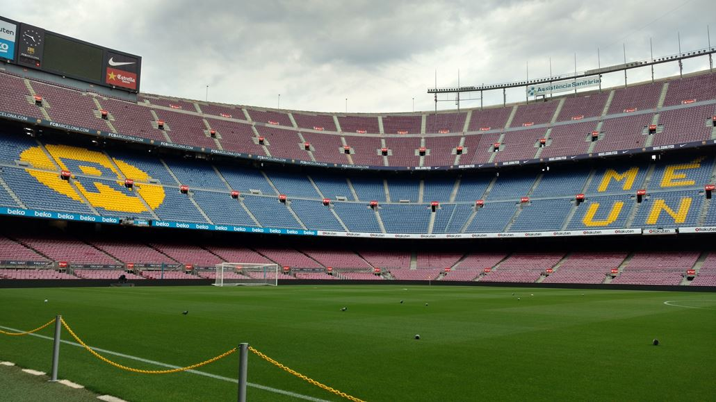 Camp Nou Rasen Tribüne