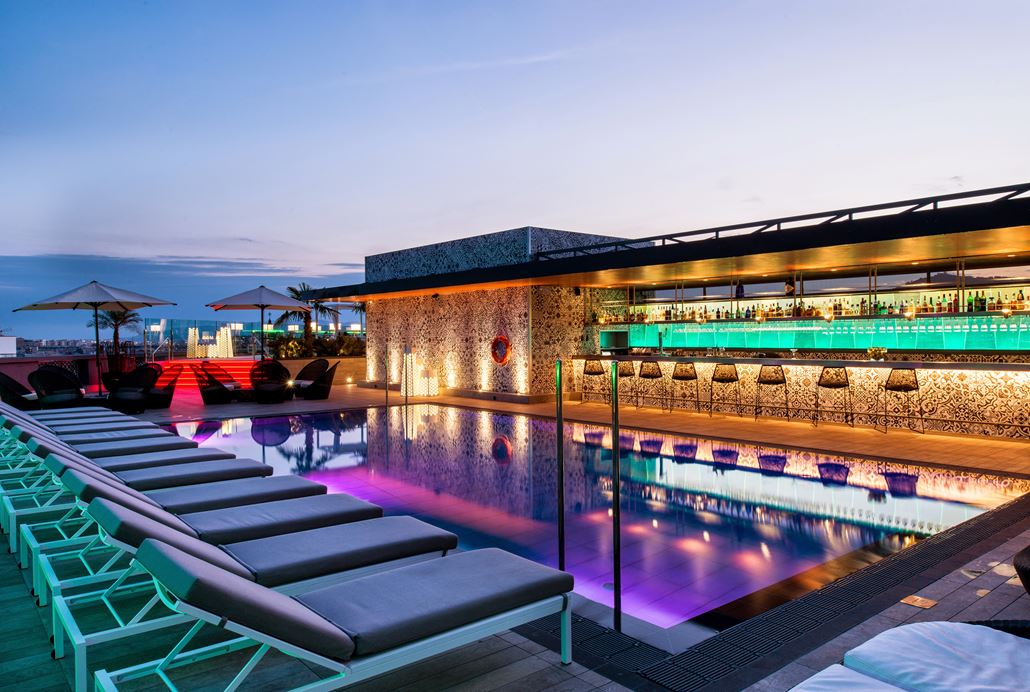Catalonia Barcelona Plaza Pool
