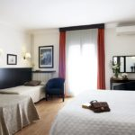 Gaudi Hotel Dreibettzimmer