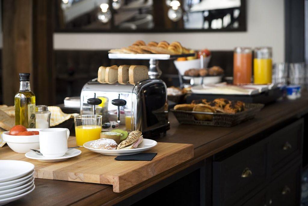 Hotel Praktik Vinoteca Frühstück