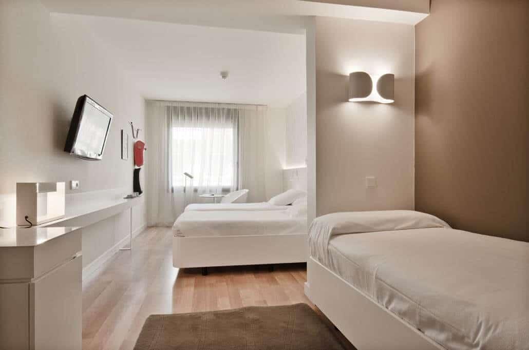 Pol & Grace Hotel Dreibettzimmer