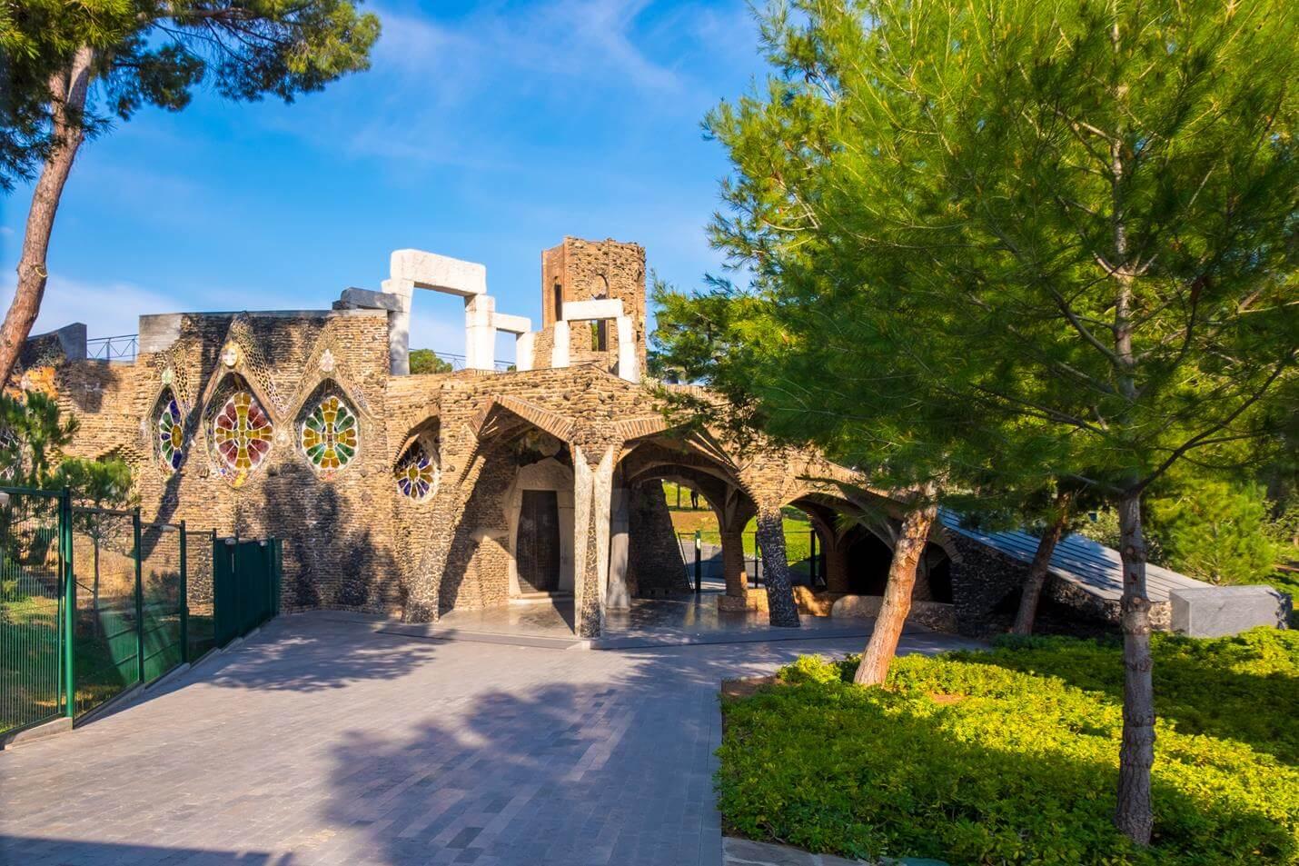 Colonia Güell & Cripta Gaudí Barcelona - Top