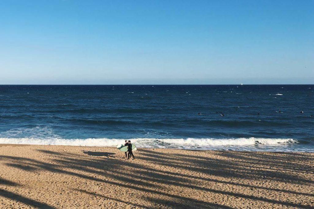 Barcelona Strand surfen