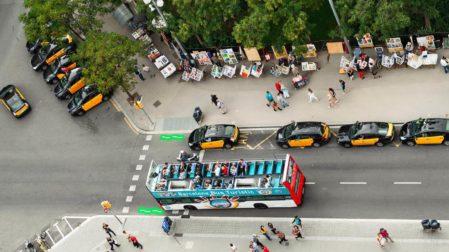Hop On Hop Off Bus: Stadtrundfahrt durch Barcelona