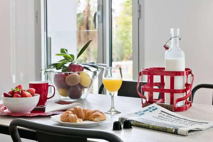 Lugaris-Beach-Apartments-Frühstück