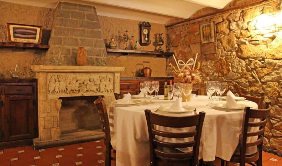 Raco-De-La-Vila-Wein-Restaurant