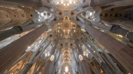 Sagrada Familia in Barcelona Tickets & Eintritt: Lohnt sich ein Besuch Innen?