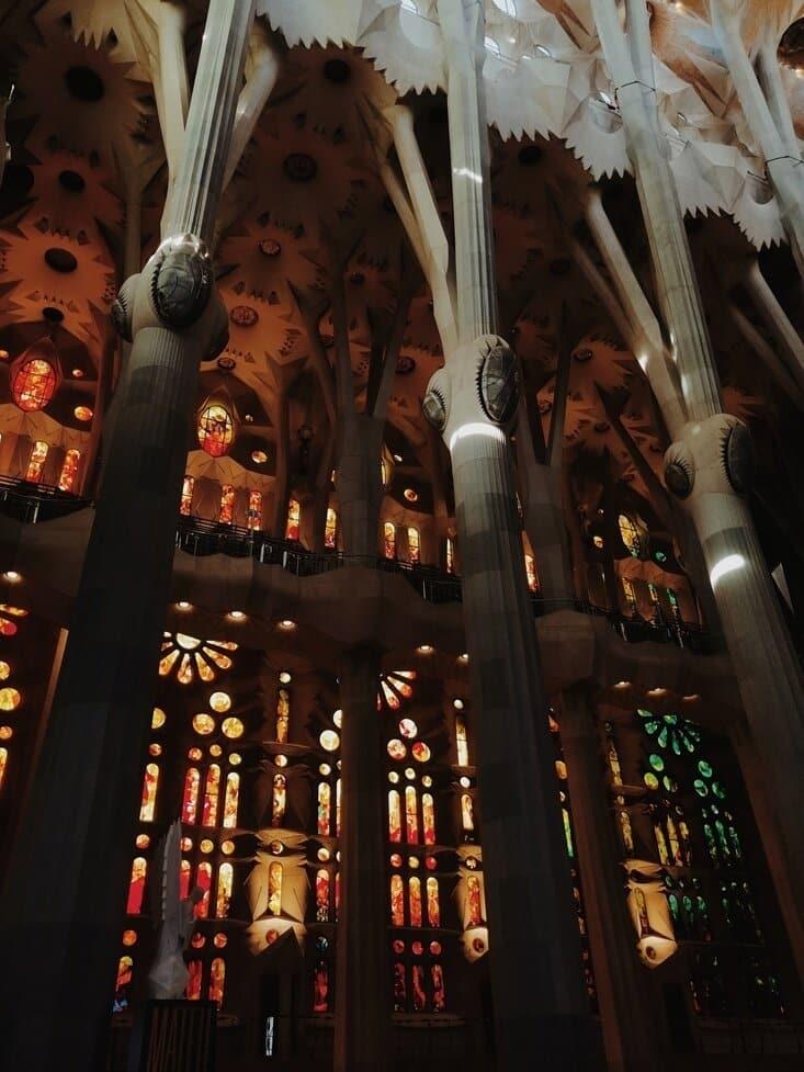 Sagrada-Familia-Buntglasfenster
