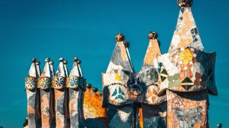 Antoni Gaudi Bauwerke in & um Barcelona: Alle Gebäude & Werke
